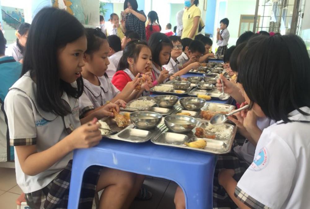 Vệ sinh an toàn thực phẩm trong trường học